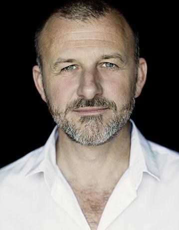 Nikolaj Cederholm (foto Isak Hoffmeyer)
